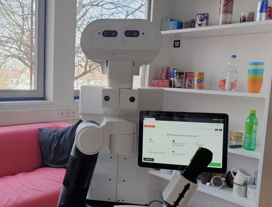 serviceroboter mit bildschirm